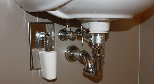 Подключение раковины в ванной